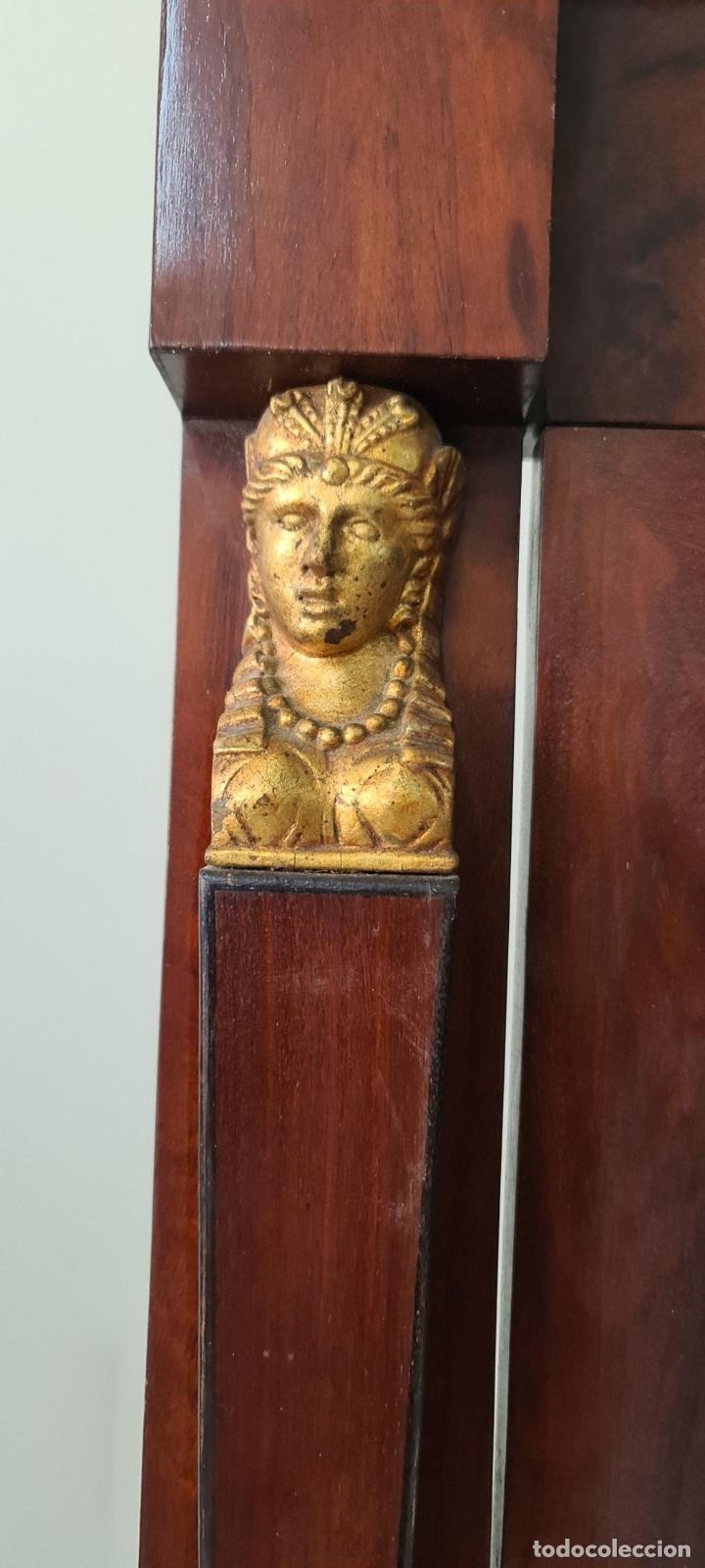 Antigüedades: COMODA TOCADOR. MADERA DE CAOBA Y DORADOS. ESTILO DIRECTORIO. SOBRE DE MÁRMOL. SIGLO XVIII-XIX. - Foto 7 - 238726050