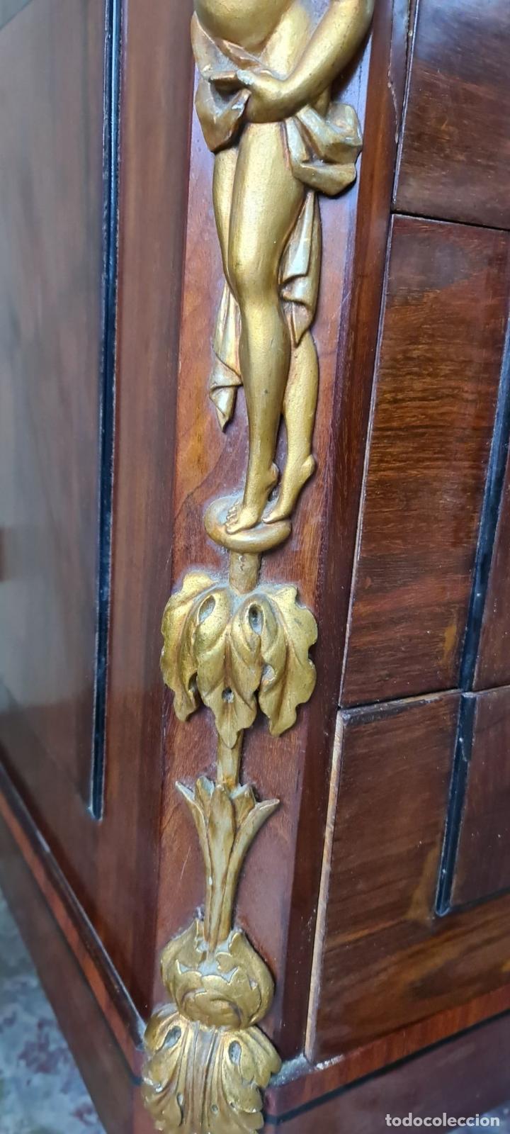 Antigüedades: COMODA TOCADOR. MADERA DE CAOBA Y DORADOS. ESTILO DIRECTORIO. SOBRE DE MÁRMOL. SIGLO XVIII-XIX. - Foto 12 - 238726050