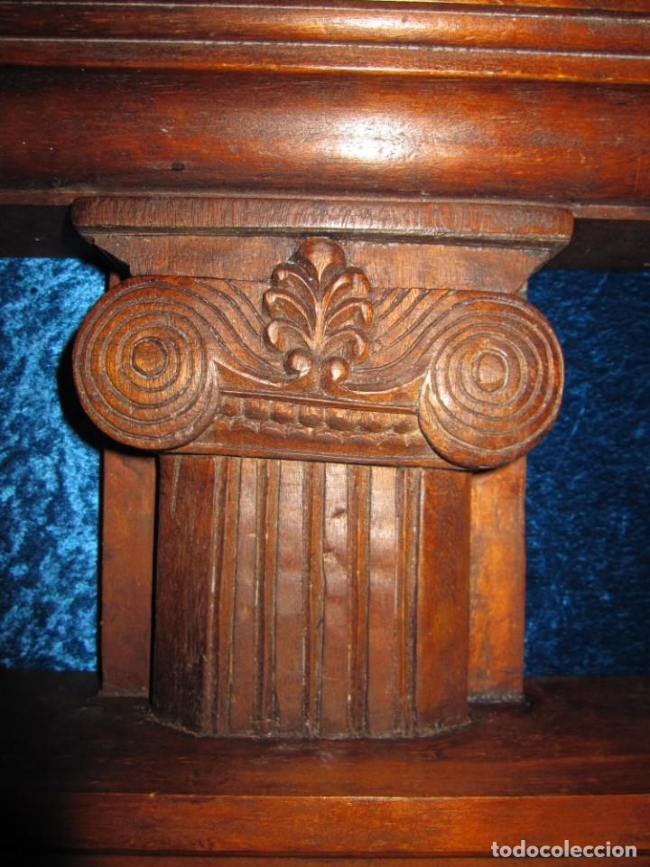 Antigüedades: Antigua talla madera ménsula, peana, pedestal, soporte, repisa, capitel pared artesanal - Foto 2 - 238769945