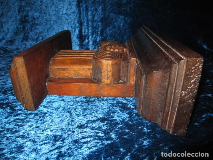 Antigüedades: Antigua talla madera ménsula, peana, pedestal, soporte, repisa, capitel pared artesanal - Foto 10 - 238769945