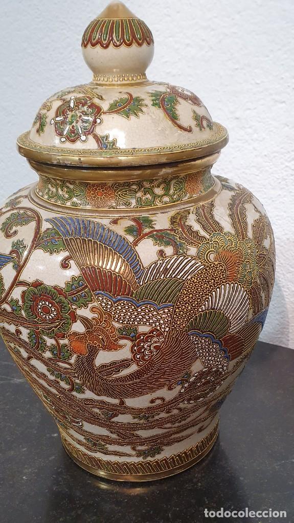 Antigüedades: PAREJA DE JARRONES SATSUMA CON PEANAS DE MADERA - MUY DECORATIVOS. - Foto 22 - 238776580
