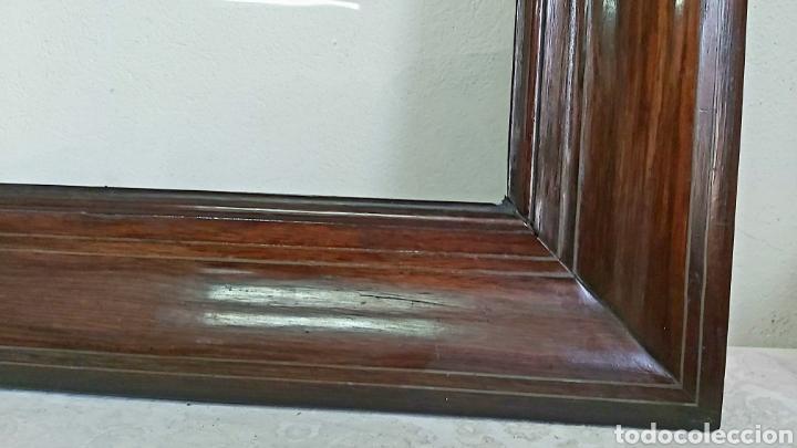 ANTIGUO MARCO DE MADERA MACIZA TROPICAL 86X70CM (Antigüedades - Hogar y Decoración - Marcos Antiguos)