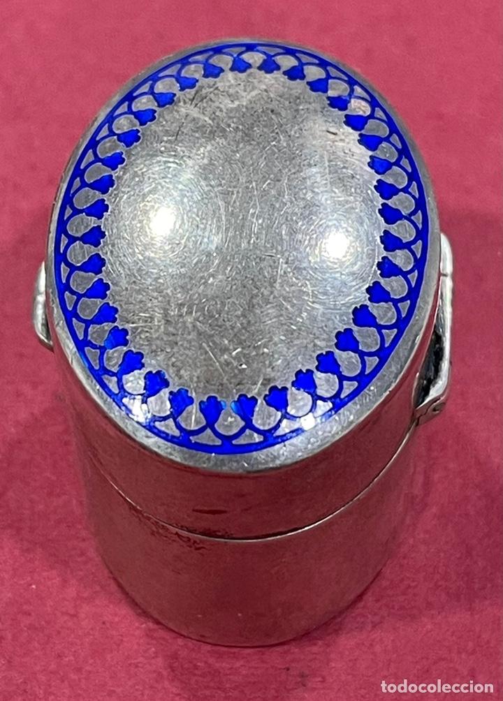 Antigüedades: Bonita caja pastillero, en plata de ley, y esmalte guilloche. - Foto 3 - 238836915