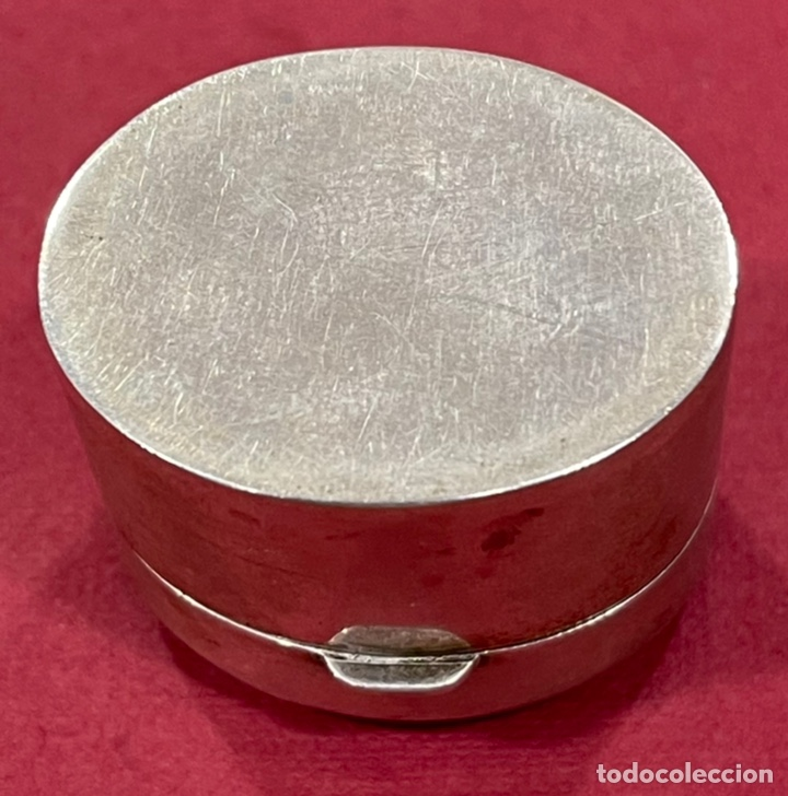 Antigüedades: Bonita caja pastillero, en plata de ley, y esmalte guilloche. - Foto 6 - 238836915