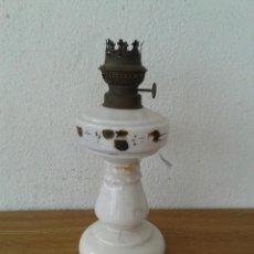 Antigüedades: ANTIGUO QUINQUE EN CRISTAL OPALINA BRENNER KOSMOS. Lote 238909090