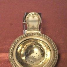 Antigüedades: ANTIGUO COLADOR DE TE DE ALPACA PLATEADA. Lote 239619455