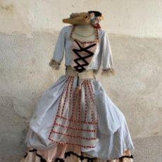 Antigüedades: VESTIDO EPOCA PASTORCILLA S XVIII BALLENAS FALDA CORPIÑO MANGA FRANCESA RASO SEDA TERCIOPELO ENCAJE. Lote 239663390