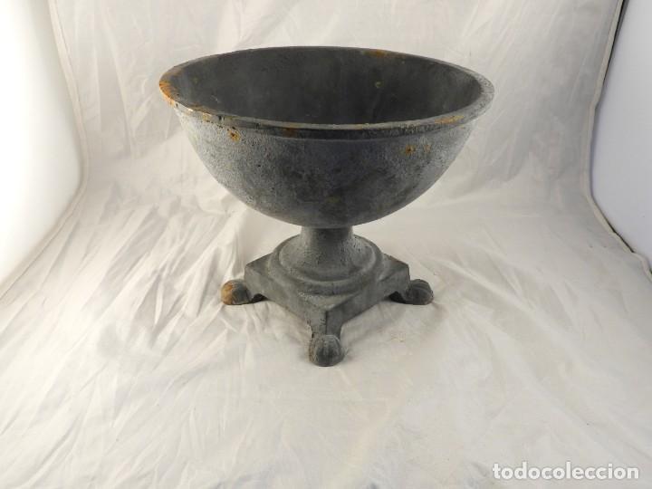 Antigüedades: ELEGANTE MACETERO JARDINERA DE HIERRO PARA PLANTAS O FLORES - Foto 3 - 239841050