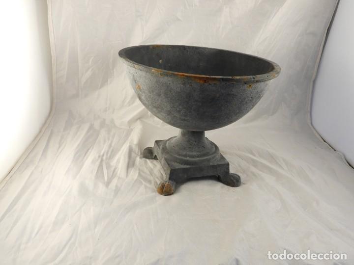 Antigüedades: ELEGANTE MACETERO JARDINERA DE HIERRO PARA PLANTAS O FLORES - Foto 4 - 239841050