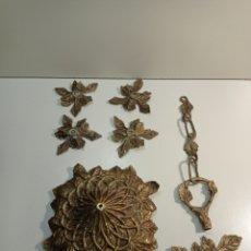 Antigüedades: PRECIOSO Y ANTIGUO LOTE DE PIEZAS PARA HACER LÁMPARAS, BRONCE. MOTIVOS FLORALES.. Lote 239841485