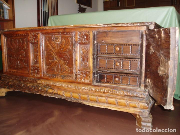 Antigüedades: Arca de novia de Lleida siglo XVIII . En madera de nogal - Foto 3 - 239875330