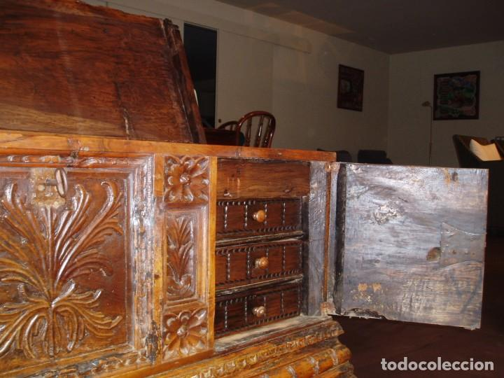 Antigüedades: Arca de novia de Lleida siglo XVIII . En madera de nogal - Foto 5 - 239875330