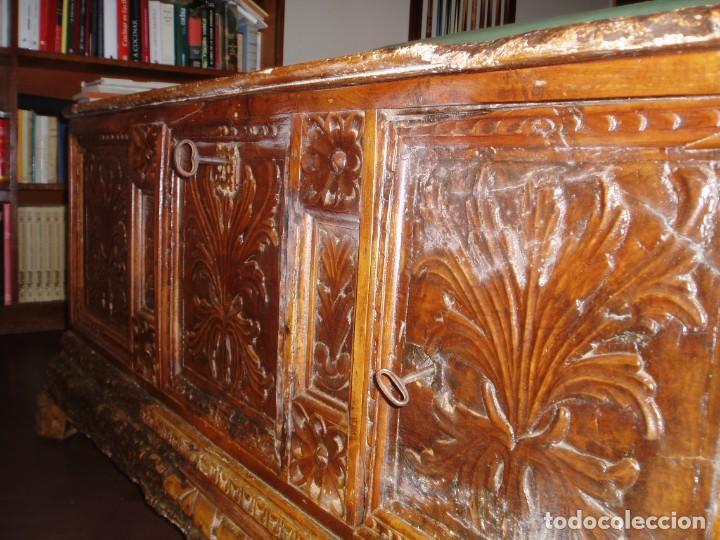 Antigüedades: Arca de novia de Lleida siglo XVIII . En madera de nogal - Foto 9 - 239875330