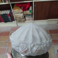 Antigüedades: TULIPA CON SU APLIQUE. Lote 240060295
