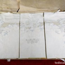 Antigüedades: JUEGO DE CAMA DE MATRIMONIO. LINO CON ABUNDANTE DECORACIÓN BORDADA. SIN USO. ESPAÑA. CIRCA 1930. Lote 240173910