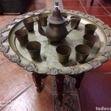 Antigüedades: ANTIGUO TE MORUNO - MESA TETERA BANDEJA 10 VASOS - ARABE. Lote 240209470