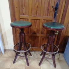 Antiguidades: PAREJA DE TABURETES ANTIGUOS BAR. Lote 240357725
