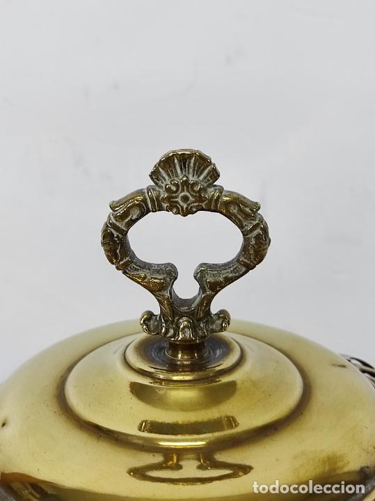 Antigüedades: Bonito Brasero Antiguo - en Bronce y Latón - Patas de Madera - con Calentador en el Interior - S.XIX - Foto 10 - 240378875