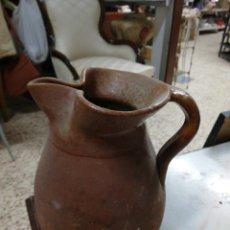 Antigüedades: BONITA JARRA ANTIGUA DE BARRO. Lote 240390125