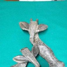 Antigüedades: FIGURA DE PIEDRA NATURAL GIRAFAS. Lote 240451960