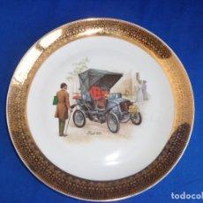 Antigüedades: PLATO PORCELANA ILUSTRADO CON COCHE FIAT 1901 VER FOTOS! SM. Lote 240551525