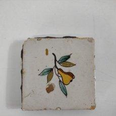 Oggetti Antichi: ANTIGUO AZULEJO CATALÁN, RAJOLA - SERIE DE FRUTAS, PERA - ORIGINAL - S. XVIII. Lote 240587850