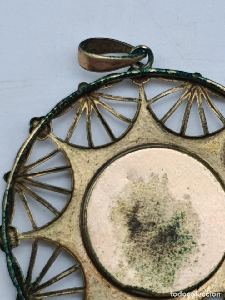 Antigüedades: COLGANTE RELIGOSO EN METAL ( VIRGEN SIN IDENTIFICAR ) - Foto 7 - 240601815