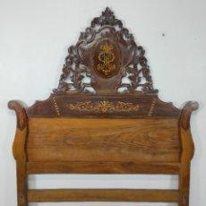 Antigüedades: CABEZAL DE CAMA ISABELINO - MADERA DE CAOBA, MARQUETERÍA Y NÁCAR - S. XIX. Lote 240607870