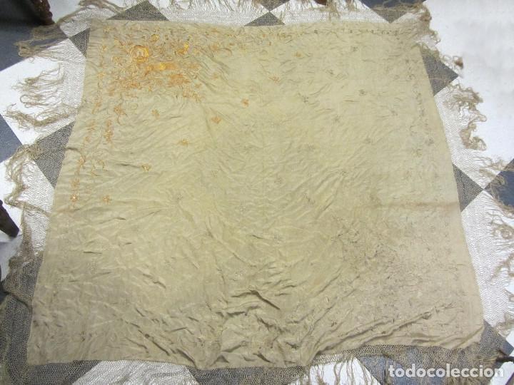 Antigüedades: Mantón de Manila en seda fina beige y bordado a mano - s.XIX - Foto 11 - 240255425