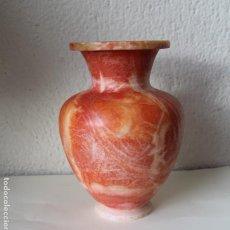 Antigüedades: ANTIGUO JARRON DE PIEDRA MUY APRECIADA ALABASTRO NARANJA REALIZADO EN UNA SOLA PIEZA - 2180 GR. Lote 240783755