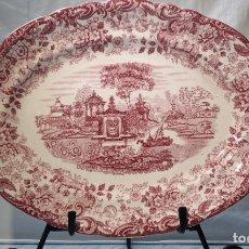 Antigüedades: BANDEJA PORCELANA ESMALTADA COLOR ROSA - PICKMAN LA CARTUJA DE SEVILLA . 37X27. Lote 240808080