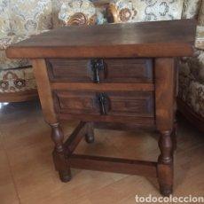 Antigüedades: MESILLA CASTELLANA DE NOCHE. Lote 240836490