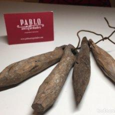 Antigüedades: LOTE DE 4 IMPORTANTES BADAJOS ANTIGUOS DE MADERA ARTE PASTORIL - CENCERRO, CAMPANA, VACAS. Lote 240845405