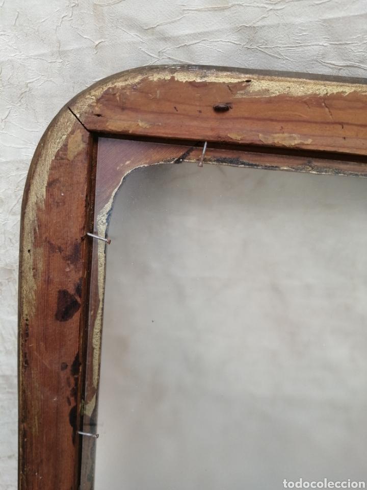 Antigüedades: Antiguo Marco madera con cristal ahumado siglo xix - Foto 6 - 240885275