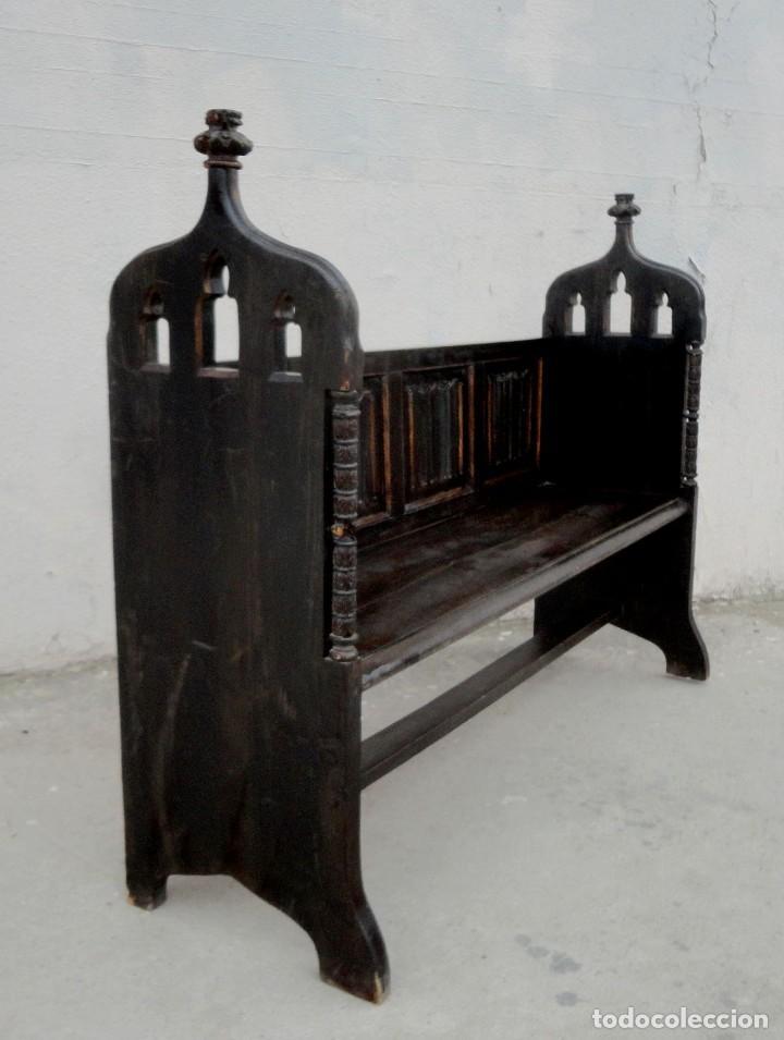 Antigüedades: Banco neogotico con respaldo en talla de pergamino - Foto 11 - 240932655