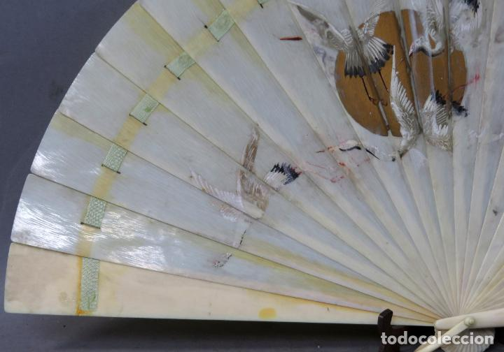 Antigüedades: Abanico de baraja japonés periodo Meiji pintado con garzas principios del siglo XX - Foto 2 - 241053890