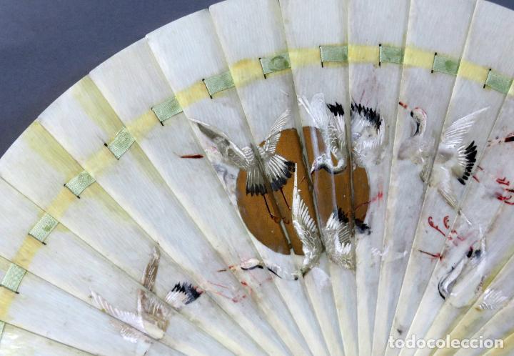 Antigüedades: Abanico de baraja japonés periodo Meiji pintado con garzas principios del siglo XX - Foto 3 - 241053890