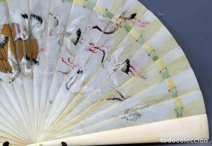 Antigüedades: Abanico de baraja japonés periodo Meiji pintado con garzas principios del siglo XX - Foto 5 - 241053890