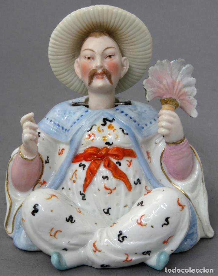 Antigüedades: Figura personaje chino en porcelana vidriada con cabeza móvil Europa principios del siglo XX - Foto 2 - 241055945
