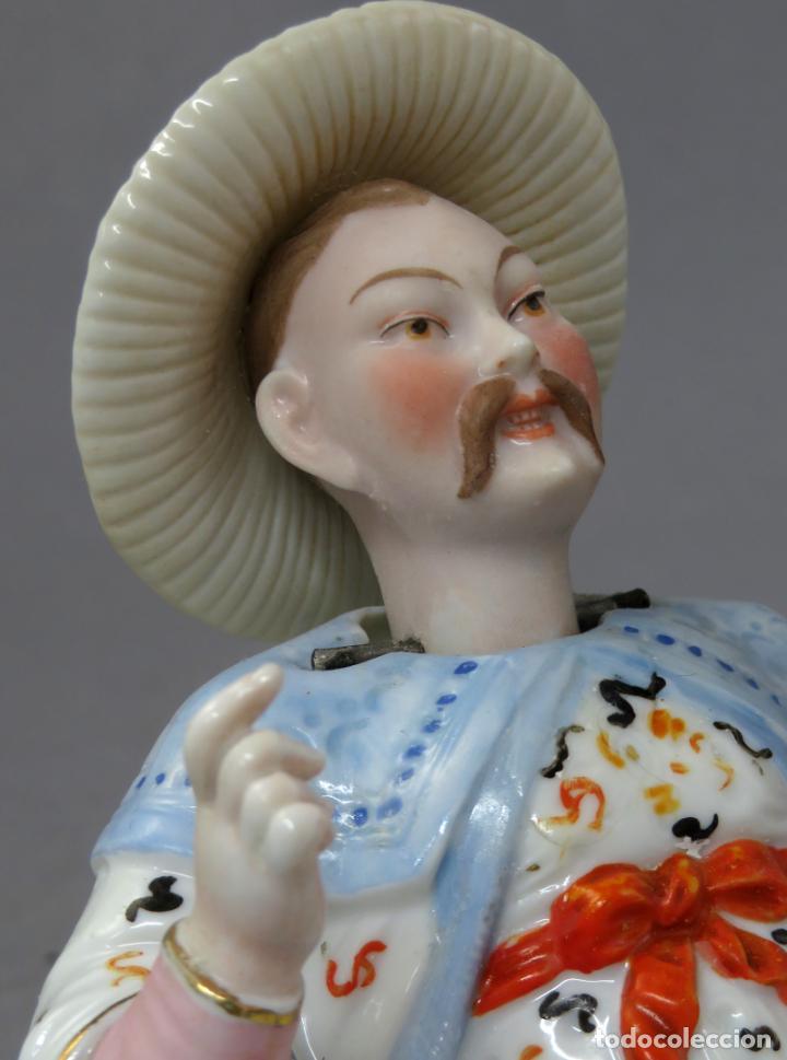 Antigüedades: Figura personaje chino en porcelana vidriada con cabeza móvil Europa principios del siglo XX - Foto 10 - 241055945