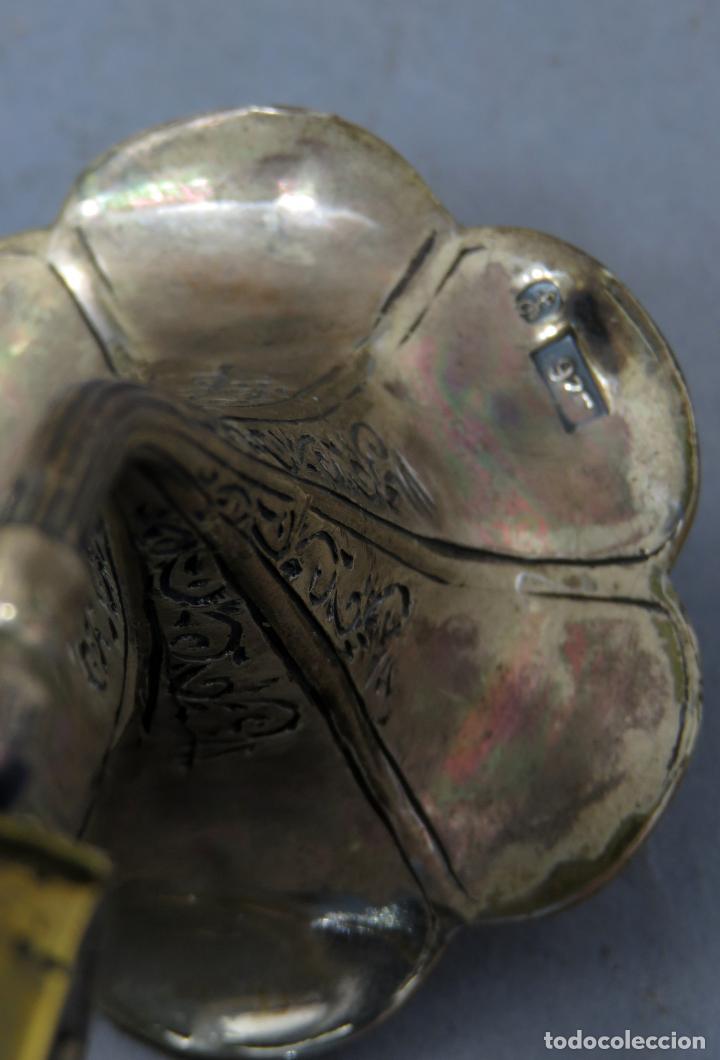 Antigüedades: Miniatura gramófono con base de bronce dorado y corneta de plata principios del siglo XX - Foto 8 - 241060350