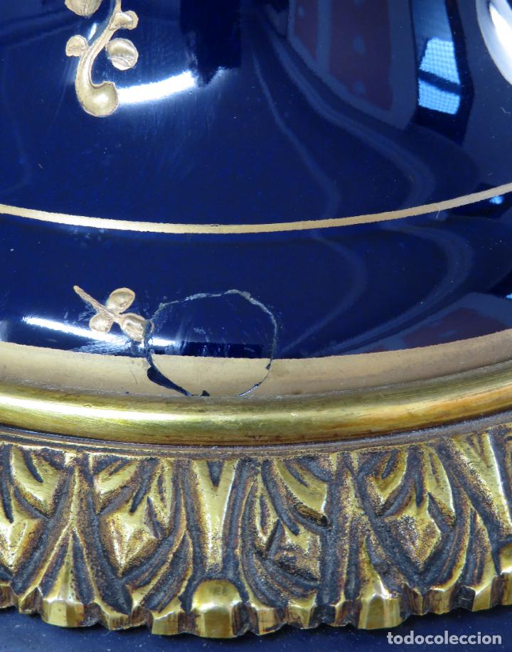 Antigüedades: Pareja de copas de porcelana azul cobalto y bronce dorado Hispania Salvador Mallol mediados siglo XX - Foto 20 - 241063015
