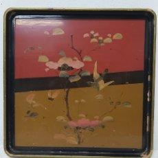 Antigüedades: ANTIGUA BANDEJA CHINA DE MADERA LACADA. Lote 241130240