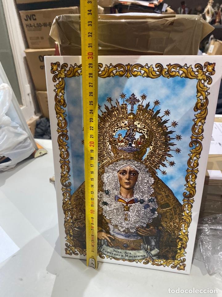Antigüedades: BALDOSA VIRGEN DE LA MACARENA & NUESTRA SEÑORA DE LA ESPERANZA.30X20 CM . VER FOTOS - Foto 3 - 241186265