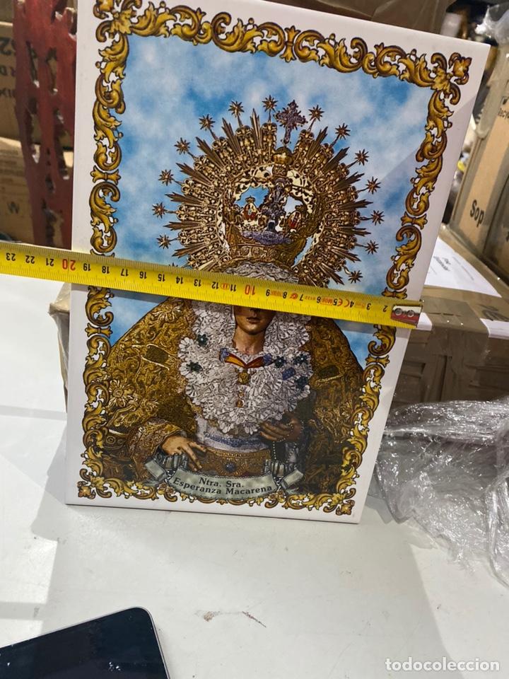 Antigüedades: BALDOSA VIRGEN DE LA MACARENA & NUESTRA SEÑORA DE LA ESPERANZA.30X20 CM . VER FOTOS - Foto 5 - 241186265