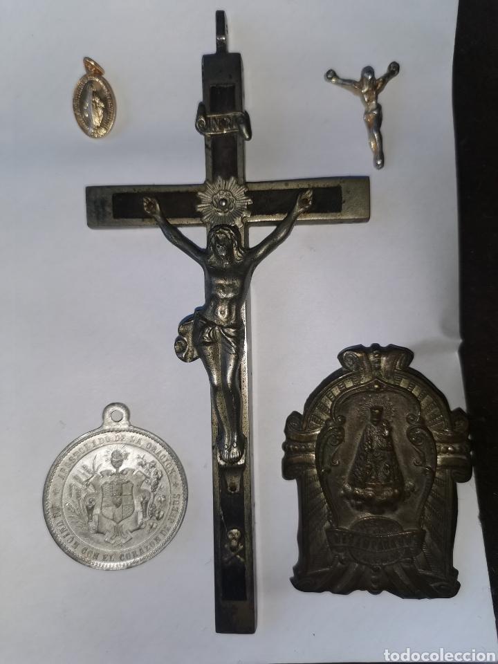 Antigüedades: Lote medallas y objetos religiosos, siglo XIX y XX - Foto 9 - 241219190
