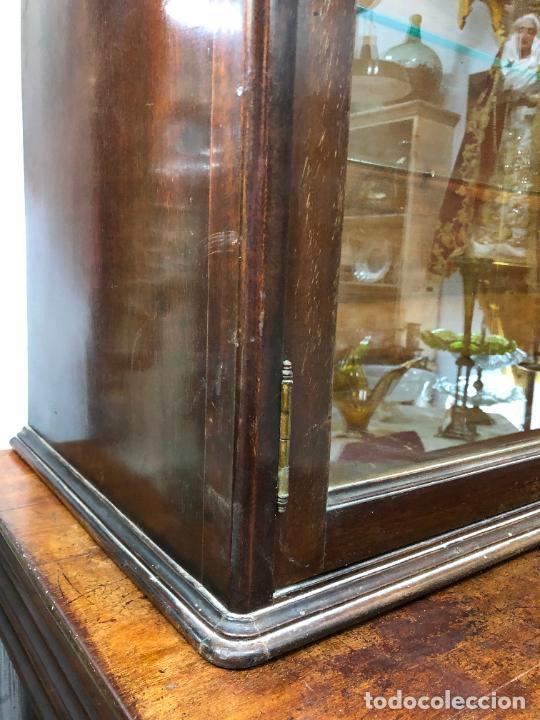 Antigüedades: GRAN VITRINA DE MADERA - MEDIDA TOTAL 131X148X42 CM - Foto 4 - 241234050