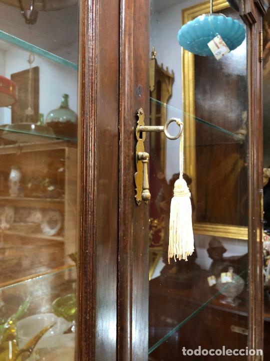 Antigüedades: GRAN VITRINA DE MADERA - MEDIDA TOTAL 131X148X42 CM - Foto 5 - 241234050