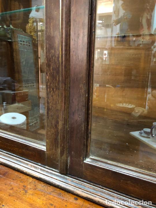Antigüedades: GRAN VITRINA DE MADERA - MEDIDA TOTAL 131X148X42 CM - Foto 12 - 241234050