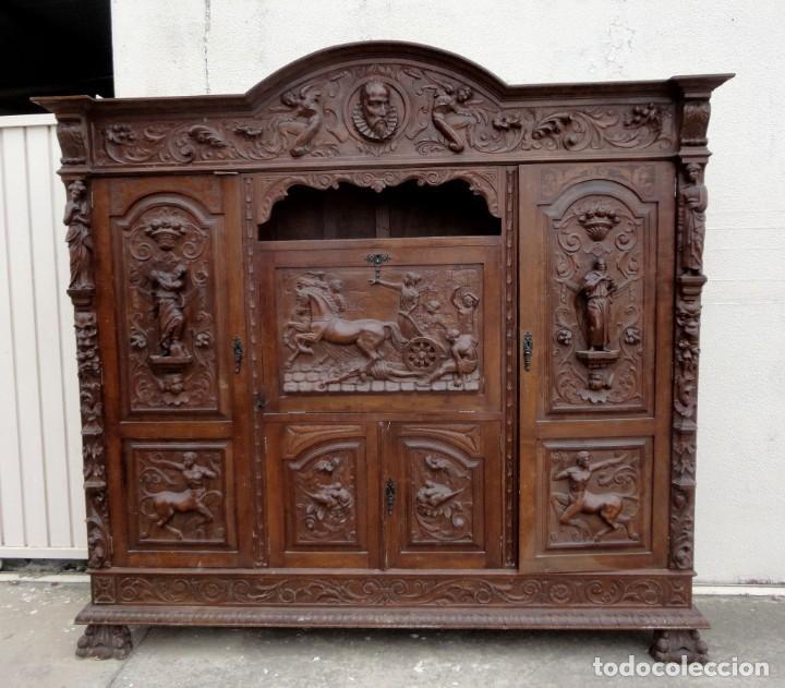 Antigüedades: Libreria antigua de despacho estilo renacimiento muy tallada en madera de haya - Foto 2 - 259769845